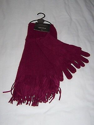 Ladies Scarf and Glove set