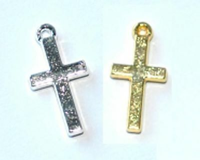 100 SILVER PLATED CROSS JEWELLERY CRAFT CHARMS / PENDANTS - 18mm - UK SELLER