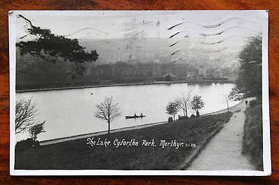 Posted 1938 Photo Postcard Rp Wales Merthyr Tydfil Cyfartha Park The Lake Rowing