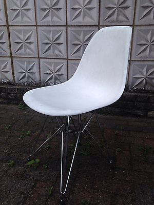 Vitra DSR Eames Plastic Chair By Charles & Ray Eames - Used