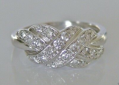Beautiful 18ct White Gold 0.50ct Diamond Cluster Ring Size N