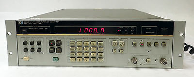 HP AGILENT 3325A SYNTHESIZER / FUNCTION GENERATOR w OPTION 2 HIGH VOLTAGE OUTPUT