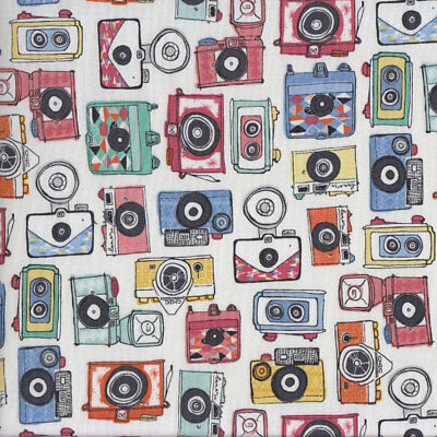 Colourful Retro Vintage Cameras on White Quilting Fabric FQ or Metre *New*