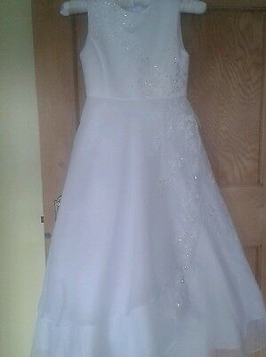Beautiful white communion dress by Little People with many extras size 8 years