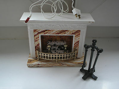 Lundby/carolines Home Light Up Fireplace 1/16Th Scale Dollshouse