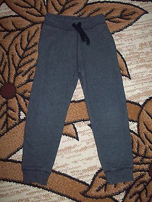 H&M Girls Jogging Bottoms Age 6-7 Years, Height 122 cm.