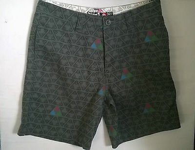 Quiksilver Mens Shorts Size 32 As New Condition