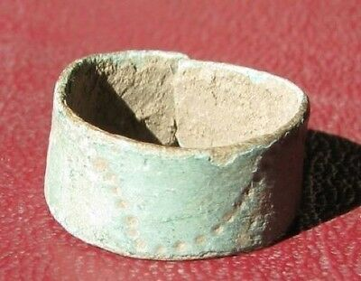 Metal Detector Find > Authentic Ancient FINGER RING Sz: >2 US >12mm 0015