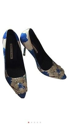 dbed60b07cd AUTHENTIC MANOLO BLAHNIK floral hangisi pumps -  880.00