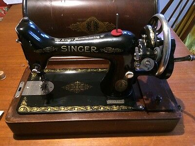 Singer Hand Sewing Machine made in1910 with original case, booklet and receipt
