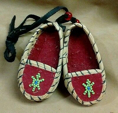 Vintage Beautifully Done Seminole Moccasin's Basket Sweetgrass and Beads