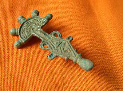 A496.Gothic style bronze brooch.