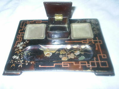 19th CENTURY VICTORIAN BROWN LACQUER AND GILT DECORATED PAPIER MACHE INK STAND