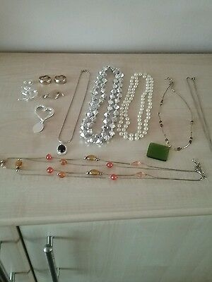 Selection of dress jewellery