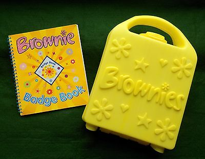 Brownies Promise Box And Badge Book