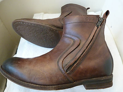 Clarks Boots Mens Chelsea Boots Size UK9 (43)