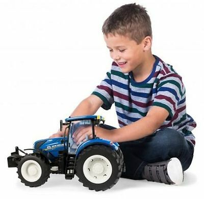 New Holland T7.720 Tractor Toy by Tomy, 1:16 scale, brand new and boxed