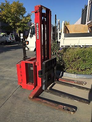 Forklift electric in great working condition