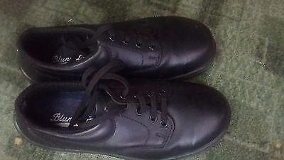 Blundstone Brand Black leather school shoes Size 6