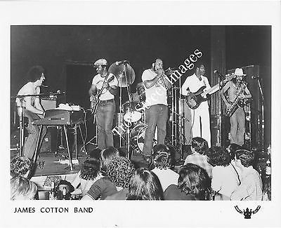 Orig 8x10 B&W promo photo of blues harmonica great JAMES COTTON, mid 1970s