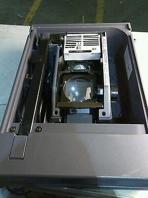 3M 2000 Overhead Projector Briefcase. Light Bulb Works.Powers on/used