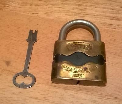 Vtg Antique Padlock Yale & Towne Works With Key Large Prison? Railroad? Offers?