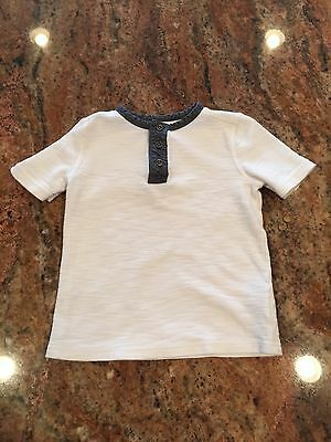 Old Navy 3 Button T-Shirt Size 5T *FREE SHIPPING