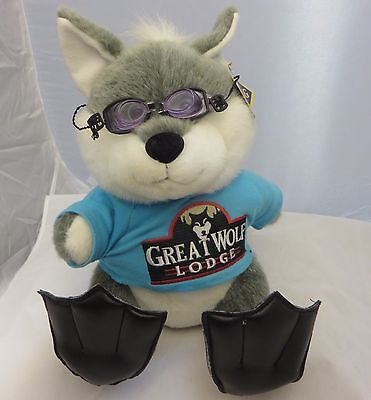 Great Wolf Lodge water park  13 inch grey wolf w/ flippers  plush  petting zoo