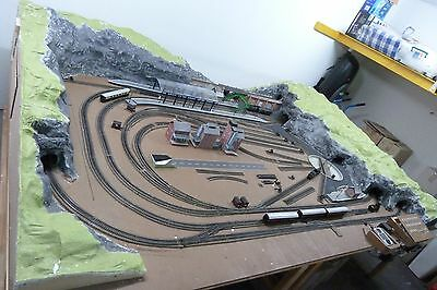 Model Hornby Railway 00 Gauge Scale set-up and more - large lot