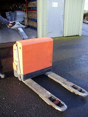 Toyota Power Drive Pallet Truck 1800kg