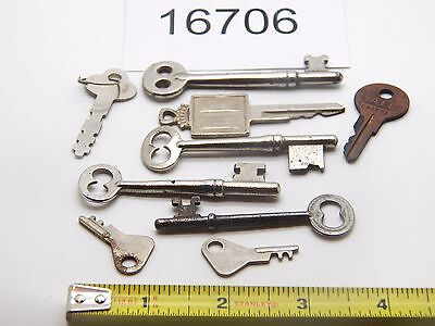 Vintage Collectibles:  Skeleton Keys  LOT OF 8  16706