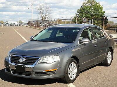 2006 Volkswagen Passat 2.0T Turbo LUXURY LOADED! 47K MILES! 1-OWNER! UNROOF LEATHER HEATED SEATS HEATED MIRRORS CD-CHANGER KEYLESS ENTRY CLEAN