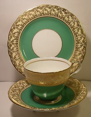 Vintage  Aynsley Green Leaf Trio Cup, Saucer And Side Plate C163 (1)
