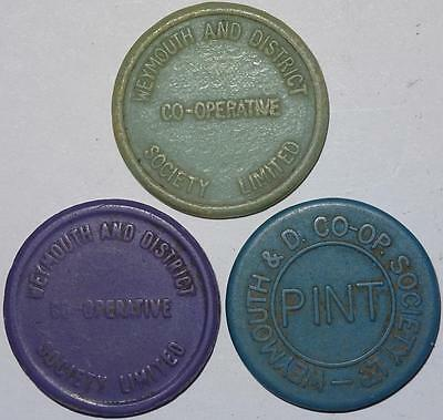 WEYMOUTH & DISTRICT CO-OPERATIVE SOCIETY MILK TOKENS x3 plastic 25mm