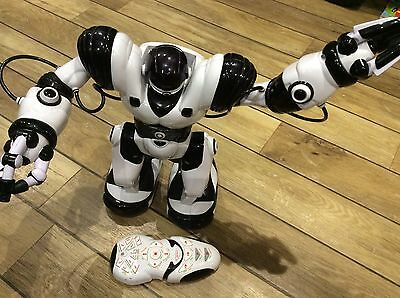 "WooWee Humanoid Large Robot ROBOSAPIEN 14"" with remote Full Size"