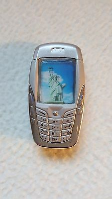*RARE* VINTAGE NOVELTY LIGHTER,Mobile Phone,Statue of Liberty image,Collectible.
