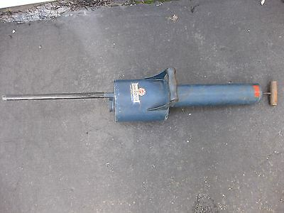 Vintage Unico Duster Sprayer With Wooden Handles Garden Yard Farm Crop Tool