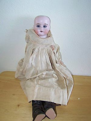 Antique German Ruth 12/0 Doll With Nice Cloth Body