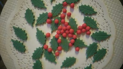 Christmas edible fondant icing 24 holly leaves and 40 red berrys cake toppers