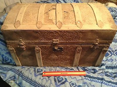 Vtg CAMELBACK TRUNK storage chest steamer train luggage antique toy box wooden