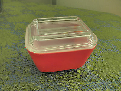 Vintage Pyrex Refrigerator Dish #501  With Ribbed Lid/Red