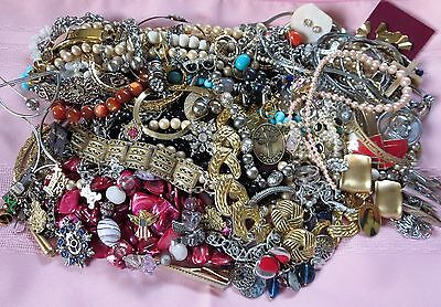 Vintage Jewelry Lot Upcycle Repair Wear Necklace Earring Brooch Pin Bracelet 3lb