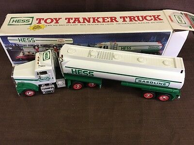 Vintage 1990 Hess TOY TANKER TRUCK w/ sounds & lights in Original box
