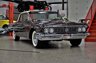 1961 Buick LeSabre 4- Door Hard Top 1961 BUICK LESABRE 18K ALL ORIGINAL ! REPAINT RARE COLLECTOR MUSEUM QUALITY