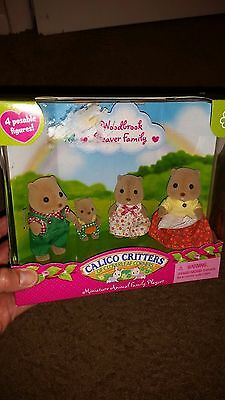 Calico Critters Miniature Animal Family Playset Woodbrook Beaver Family figures