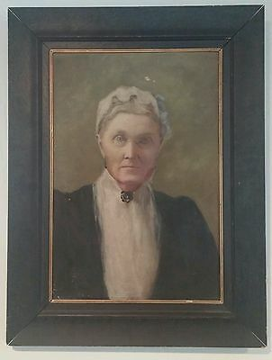 Late 1800's antique portrait painting of an old woman.  Oil on canvas. Signed