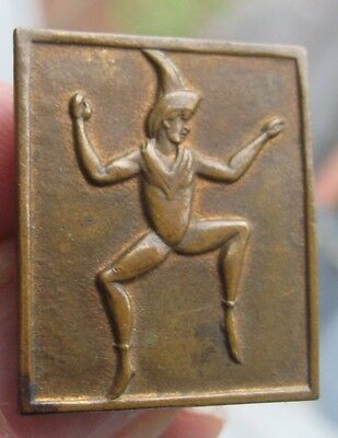GIRL GUIDE BROWNIE PROMISE rare 1940s vintage pixie quality brass pin BADGE