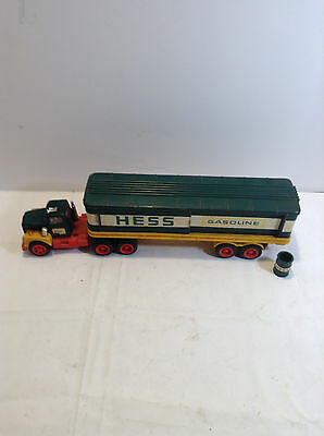 Amerada Hess Truck  Green Barrel Tractor Trailer With One Barrel