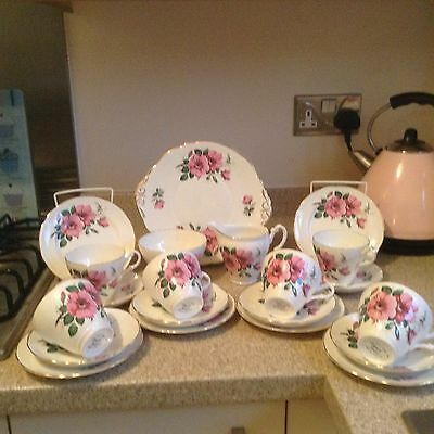 Stunning 21piece Royal Stuart bone china Teaset