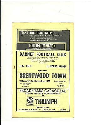 1968/69 FA Cup  1st round  Barnet v Brentwood